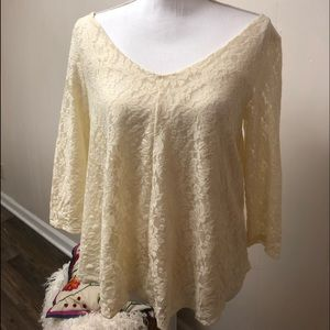 American Eagle ivory Lace V neck and back